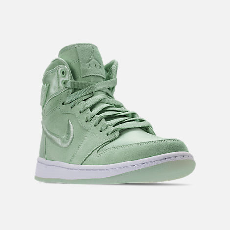 Three Quarter view of Women's Air Jordan Retro 1 High OG SOH Casual Shoes in Mint Foam/White/Metallic Gold