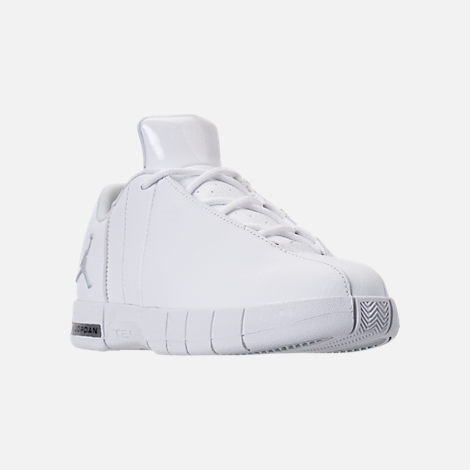 Three Quarter view of Boys' Little Kids' Jordan Team Elite 2 Low Casual Shoes in White/Metallic Silver/Pure Platinum