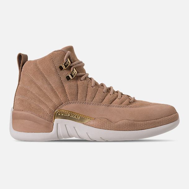 Right view of Women's Air Jordan Retro 12 Basketball Shoes in Vachetta Tan/Metallic Gold