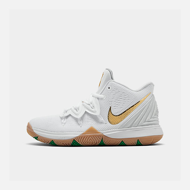 Right view of Boys' Big Kids' Nike Kyrie 5 Basketball Shoes in White/Metallic Gold/Pure Platinum