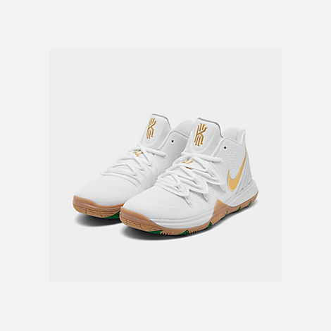 Three Quarter view of Boys' Big Kids' Nike Kyrie 5 Basketball Shoes in White/Metallic Gold/Pure Platinum