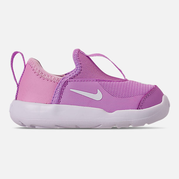 Right view of Girls' Toddler Nike Lil' Swoosh Running Shoes in Fuchsia Glow/White/Light Arctic Pink