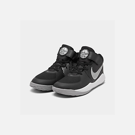 Three Quarter view of Boys' Little Kids' Nike Team Hustle D 9 Basketball Shoes in Black/Metallic Silver/Wolf Grey/White