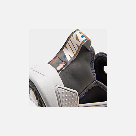 Front view of Big Kids' Nike Huarache Extreme SE JDI Casual Shoes in Black/Metallic Silver/Dark Grey/Pure Platinum