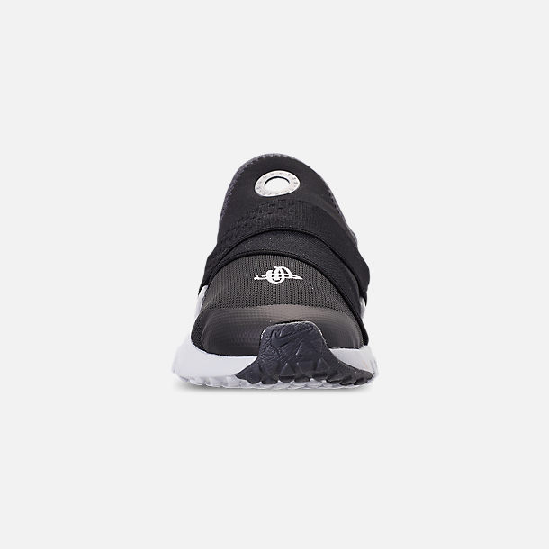 Front view of Little Kids' Nike Huarache Extreme SE Casual Shoes in Black/Metallic Silver/Dark Grey
