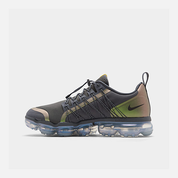 Right view of Men's Nike Air VaporMax Run Utility Running Shoes in Dark Grey/Amarillo/Black