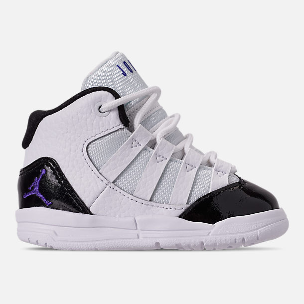 Right view of Boys' Toddler Jordan Max Aura Basketball Shoes in White/Dark Concord/Black