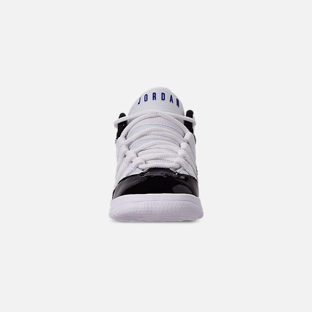 Front view of Boys' Toddler Jordan Max Aura Basketball Shoes in White/Dark Concord/Black