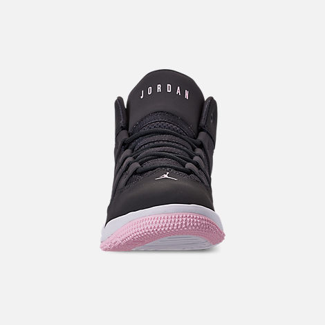 Front view of Girls' Little Kids' Jordan Max Aura Basketball Shoes in Anthracite/Pink Foam/Black/White