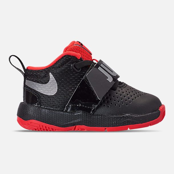 Right view of Boys' Toddler Nike Team Hustle D8 JDI Basketball Shoes in Black/Reflect Silver/Bright Crimson