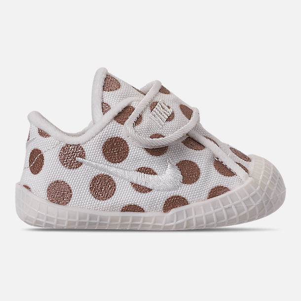 Right view of Girls' Infant Nike Waffle 1 Print Hook-and-Loop Crib Booties in Sail/Sail/Metallic Red Bronze