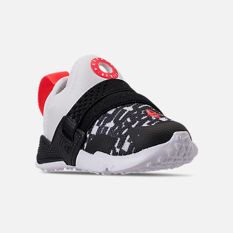 Three Quarter view of Boys' Toddler Nike Huarache Extreme Running Shoes in White/Bright Crimson/Black/Wolf Grey