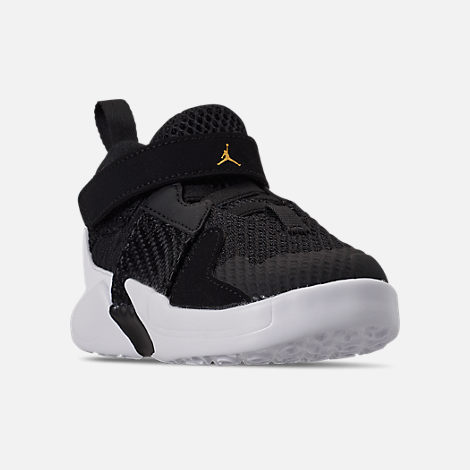 Three Quarter view of Boys' Toddler Air Jordan Why Not Zer0.2 Basketball Shoes in Black/White