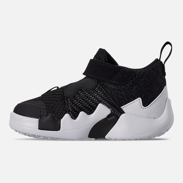 Left view of Boys' Toddler Air Jordan Why Not Zer0.2 Basketball Shoes in Black/White