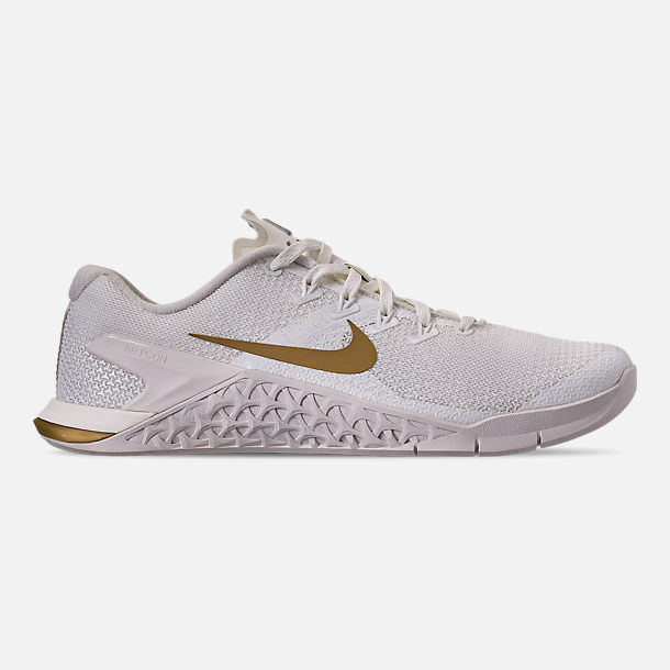 Right view of Women's Nike Metcon 4 Champagne Training Shoes in Sail/Metallic Gold/Platinum Tint