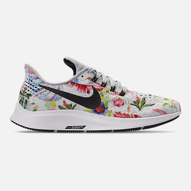 Right view of Women's Nike Air Zoom Pegasus 35 Graphic Running Shoes in Pure Platinum/Black/White