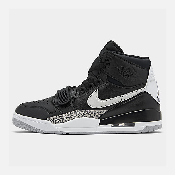 Right view of Men's Air Jordan Legacy 312 Off-Court Shoes in Black/White