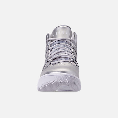 Front view of Girls' Big Kids' Jordan Max Aura SE Basketball Shoes in Silver/Vast Grey/White