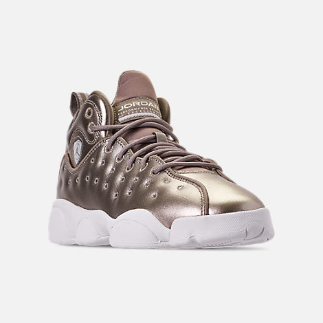 Three Quarter view of Girls' Big Kids' Jordan Jumpman Team II SE Basketball Shoes in Sepia Stone/Sepia Stone/White/Noble