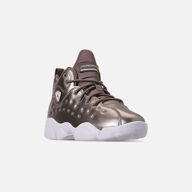 Three Quarter view of Girls' Little Kids' Jordan Jumpman Team II SE Basketball Shoes in Sepia Stone/Sepia Stone/White/Noble