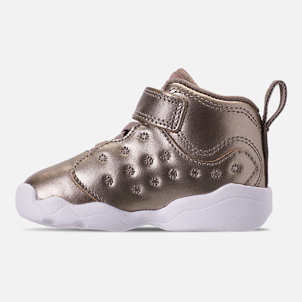 Left view of Girls' Toddler Jordan Jumpman Team II SE Basketball Shoes in Sepia Stone/Sepia Stone/White/Noble