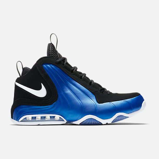 Right view of Men's Nike Air Max Wavy Basketball Shoes in Black/White/Photo Blue
