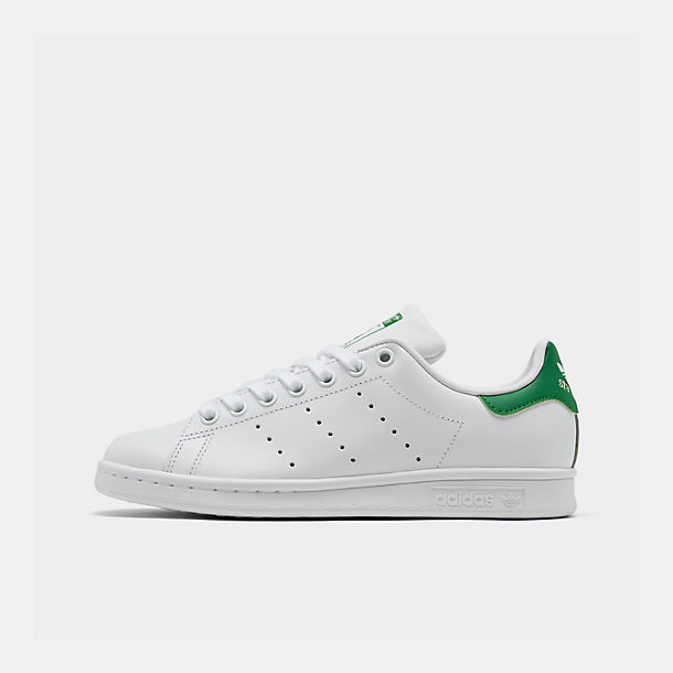 2a330d01efe5 Right view of Women s adidas Originals Stan Smith Casual Shoes in GRN