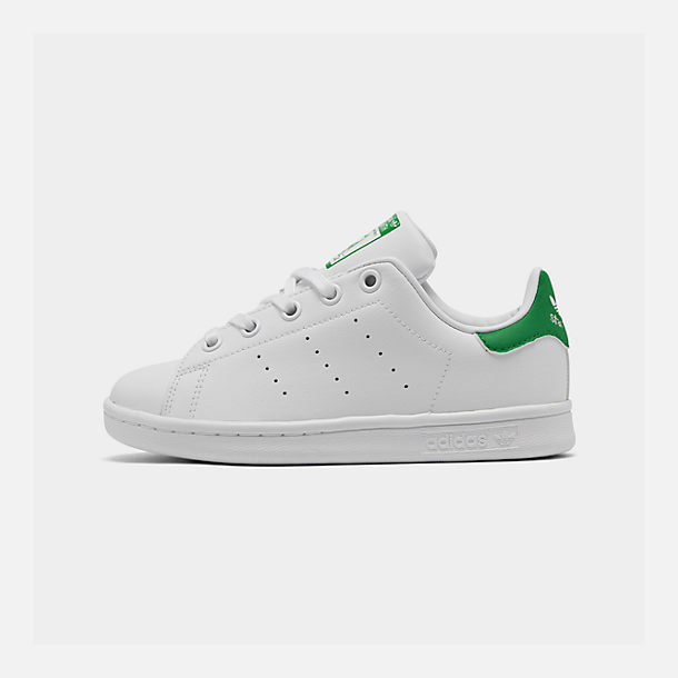 Right view of Little Kids' adidas Originals Stan Smith Casual Shoes in White/Fairway