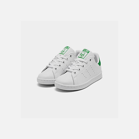 Three Quarter view of Little Kids' adidas Originals Stan Smith Casual Shoes in White/Fairway
