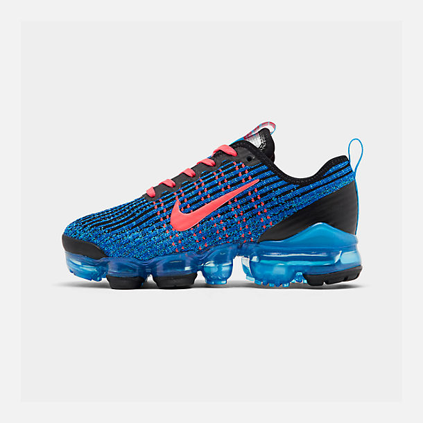 Right view of Big Kids' Nike Air VaporMax Flyknit 3 Running Shoes in Blue Fury/Flash Crimson/Racer Blue