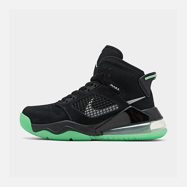 Right view of Boys' Big Kids' Jordan Mars 270 Basketball Shoes in Black Glow
