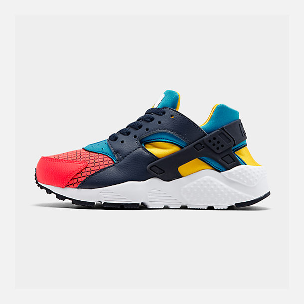 Right view of Boys' Big Kids' Nike Huarache Run Ultra Now Casual Shoes in Bright Crimson/Obsidian/Photo Blue