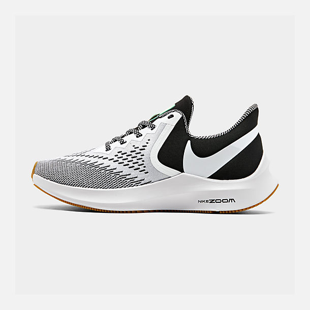 Right view of Men's Nike Air Zoom Winflo 6 SE Running Shoes in Black/White/Gum Light Brown/Pure Platinum