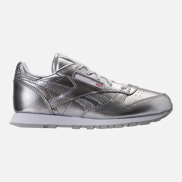 Right view of Girls' Preschool Reebok Classic Leather Casual Shoes in Silver/White