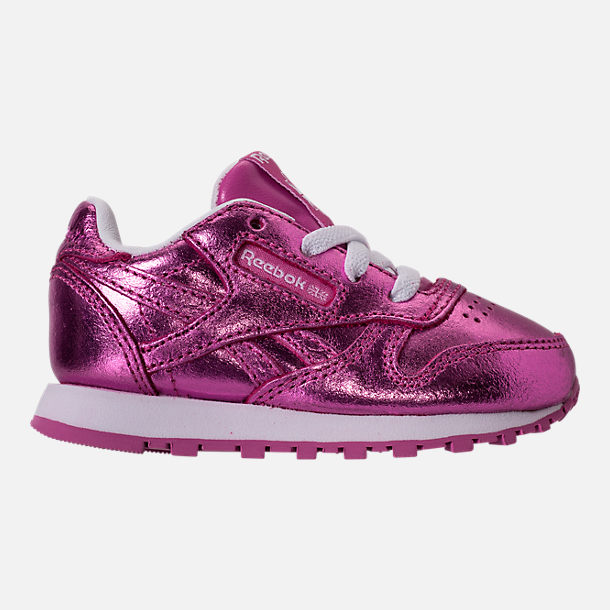 Right view of Girls' Toddler Reebok Classic Leather Metallic Casual Shoes in Charged Pink/White