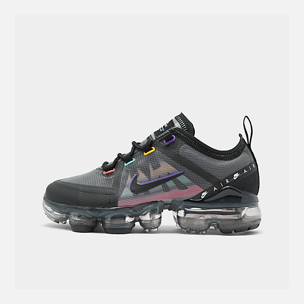 Right view of Big Kids' Nike Air VaporMax 2019 Running Shoes in Black/Flash Crimson/Kinetic Green