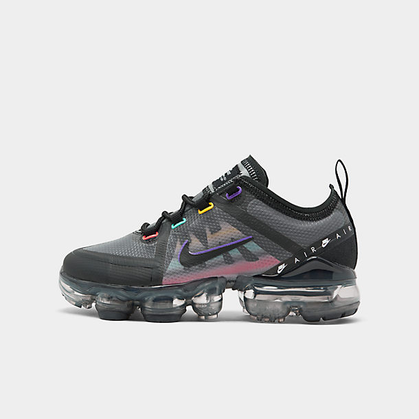 Right view of Kids' Nike Air VaporMax '97 Casual Shoes in