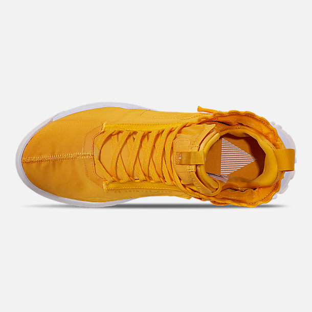 Top view of Men's Jordan Proto-React Basketball Shoes in University Gold/White
