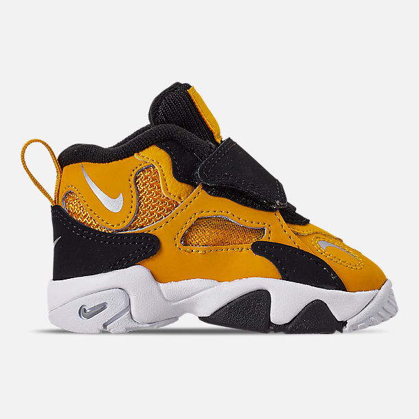 Right view of Boys' Toddler Nike Speed Turf Training Shoes in University Gold/Metallic Silver/White
