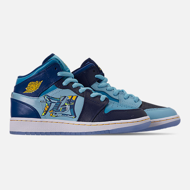 Right view of Boys' Big Kids' Air Jordan 1 Mid Fly Casual Shoes