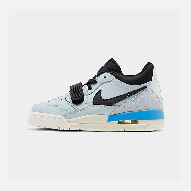 Right view of Boys' Big Kids' Jordan Legacy 312 Low Off-Court Shoes in Pale Blue/University Blue/Black/Sail