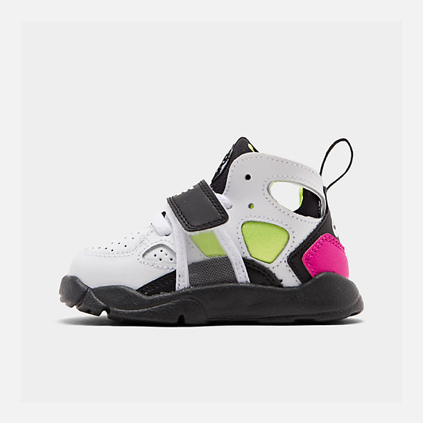 21398cab619f Right view of Boys  Toddler Nike Trainer Huarache Training Shoes in  White Black