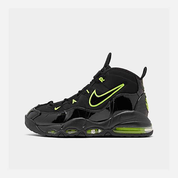 Right view of Men's Nike Air Max Uptempo '95 Basketball Shoes in Black/Volt