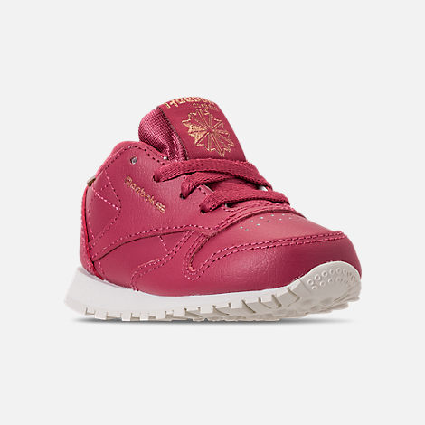Three Quarter view of Girls' Toddler Reebok Classic Leather Casual Shoes in Twisted Berry/Chalk