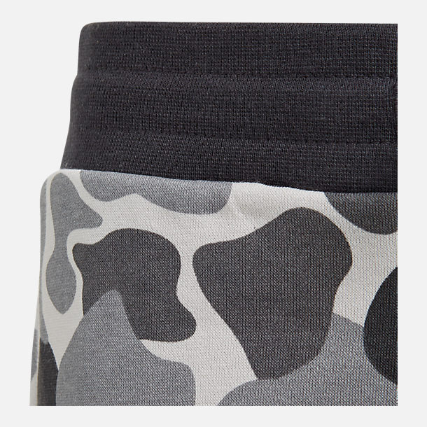 Alternate view of Boys' adidas Camo Trefoil Sweatpants in Black/White