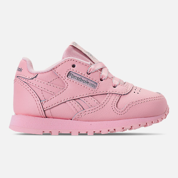 Right view of Girls' Toddler Reebok Classic Leather Casual Shoes in Saturated Luster Pink