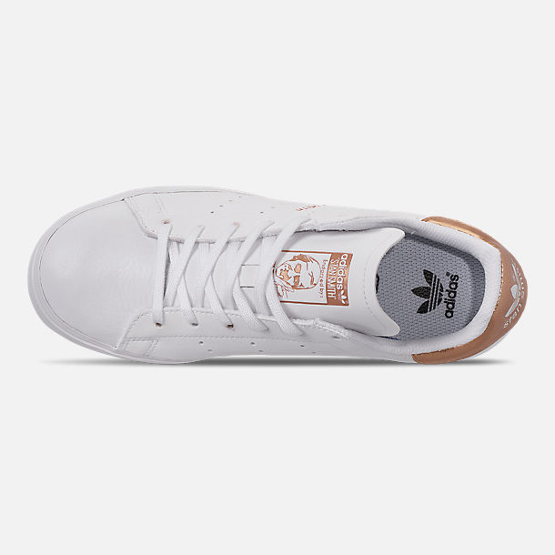 Top view of Big Kids' adidas Originals Stan Smith Vulc Casual Shoes in White/Gold
