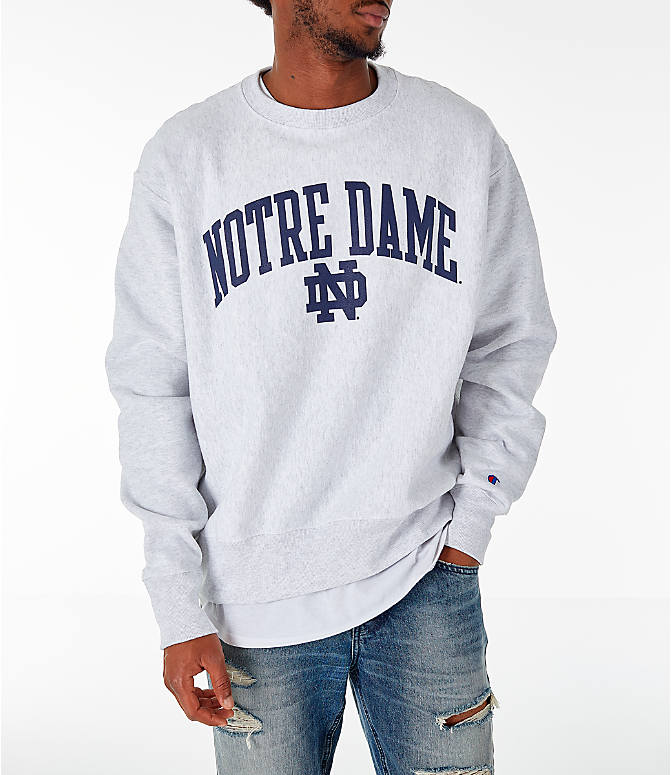 Front view of Men's Champion Notre Dame Fighting Irish College Reverse Weave Crewneck Sweatshirt in Silver Grey