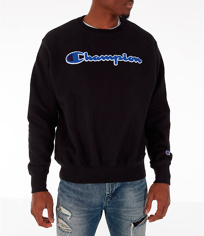 Front view of Men's Champion Reverse Weave Chenille Logo Crewneck Sweatshirt in Black