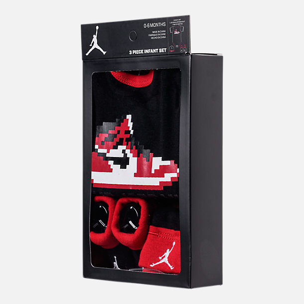 Back view of Boys' Infant Air Jordan Game Changer 3-Piece Set in Black/Red